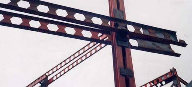 تفاوت سازه بتنی با فولادی