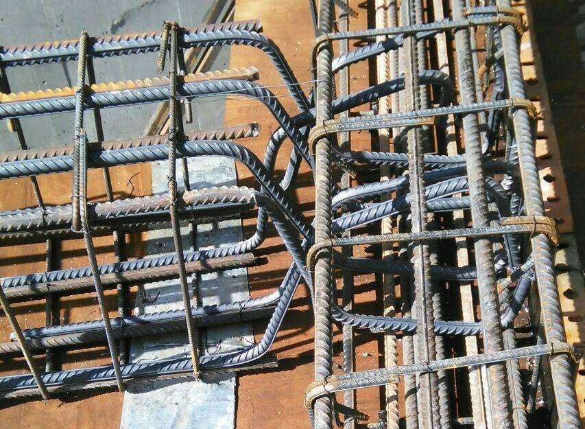 دتایل اتصال مفصلی در سازه بتنی